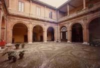 Palazzo Guarini Torelli - cortile interno